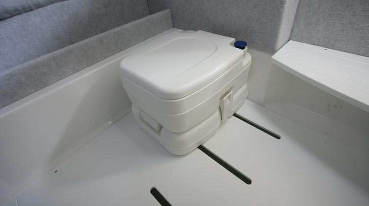 Chemical toilet installation in console