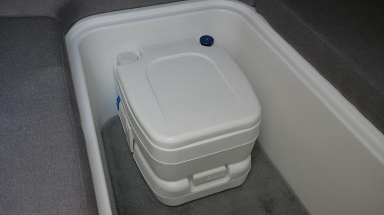 Chemical toilet, cabin installation