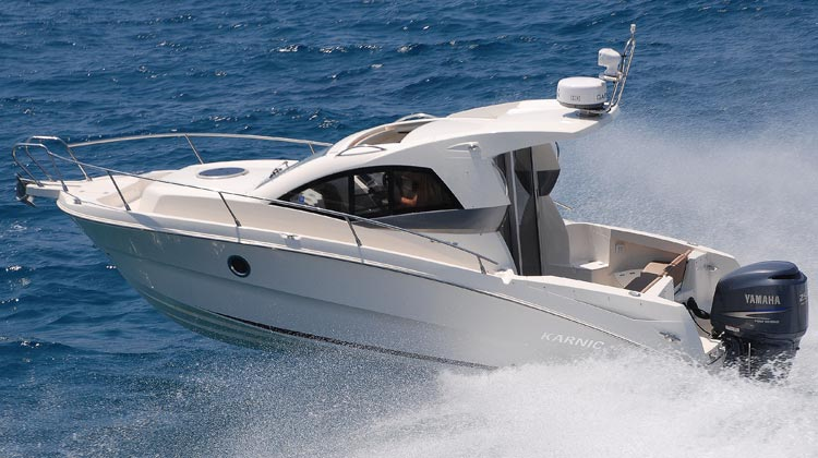 Extreme rigidity due to all-composite, foam injected hull structure and permant bonding of roof and deck