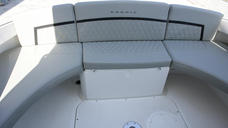 Continuous or 'L' or 'U' shape stern seating