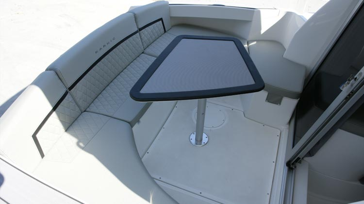 Continuous stern bench seat, entrance aft facing seat and option to convert to L-shape or U-shape arrangement