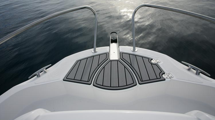 Safe and easy bow access with dedicated location for optional windlass installation
