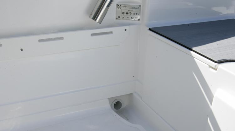 Side pockets with separate gunwale cover for accessories installation